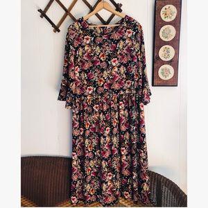 Gilli Dresses - Gilli • Moody Floral Flowy Dress